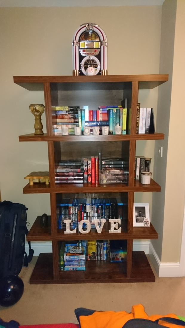 Lyndsey's Book Blog beautiful shelfie
